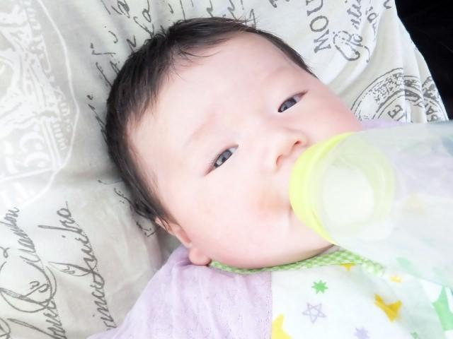 乳児 ミルク 飲まない