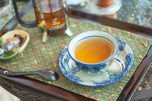 緑茶 紅茶 ウーロン茶 違い