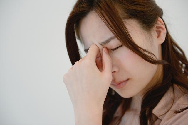 光が眩しい 頭痛